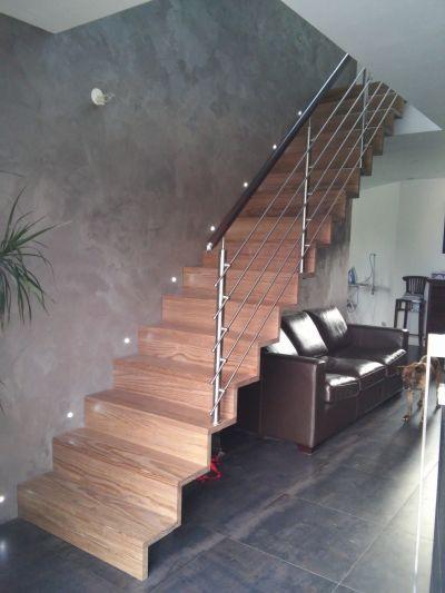 Escalier droit Gar en pin densifié