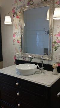 Miroir + meuble vasque DIY.