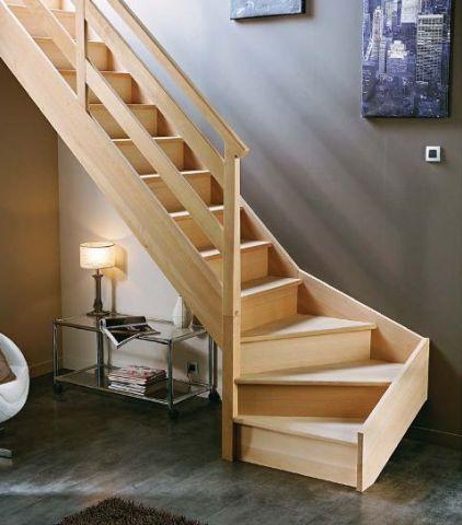 Comment assembler un escalier quart tournant