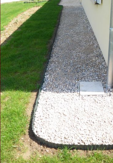 terrasse gravier sur herbe