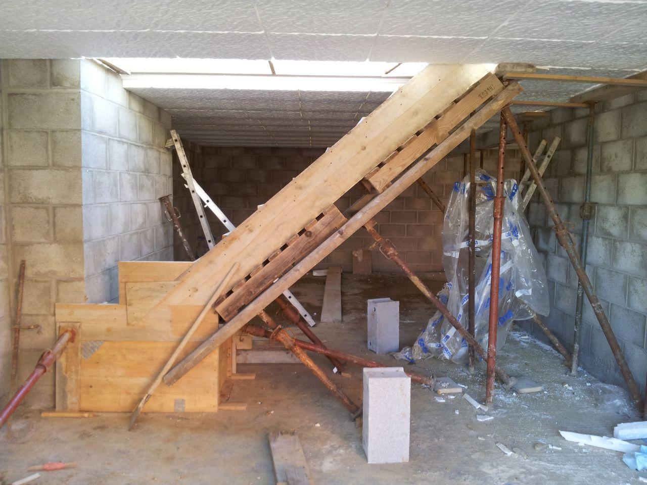Sous-sol: Préparation pour la dalle du RDC et l'escalier béton du sous-sol