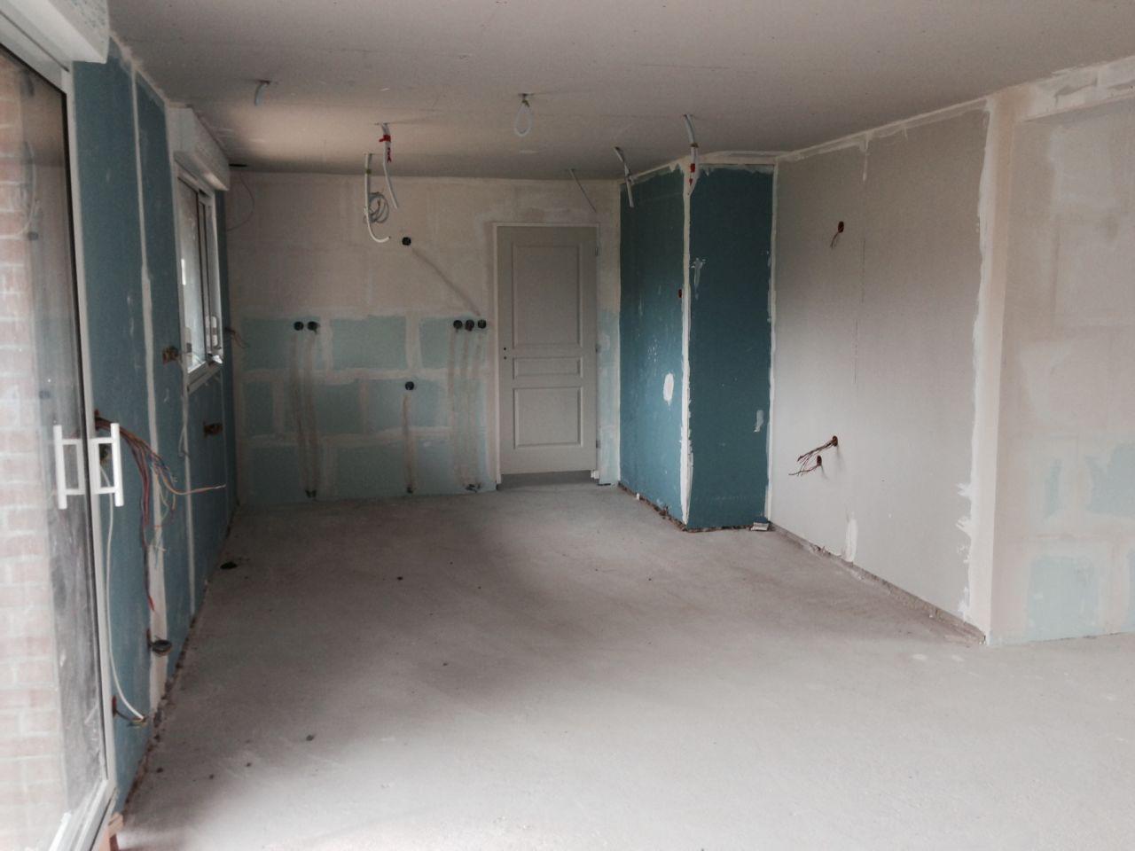 Isolation et plafonds.   poussée de cloisons à l'étage.   cloisons ...