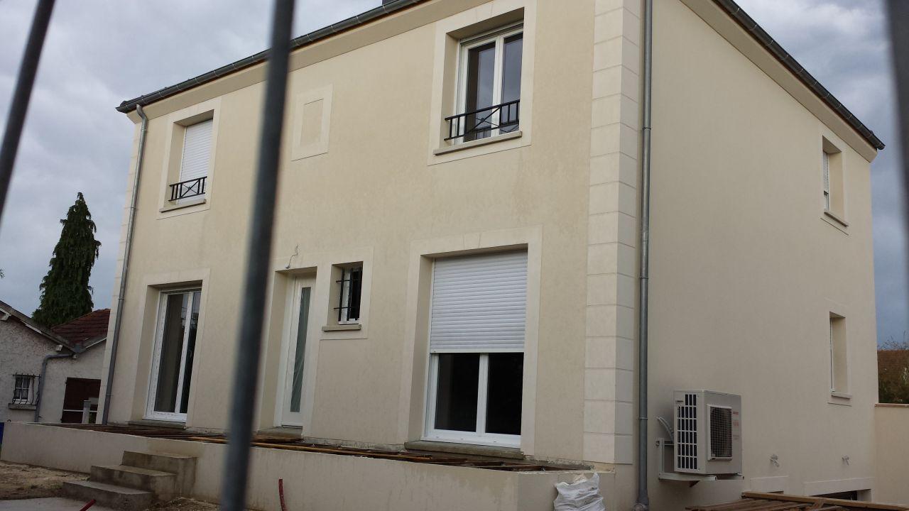 Photo photo d 39 une fa ade de maison avec un enduit parex lanko g20 autre - Appliquer un enduit de facade ...