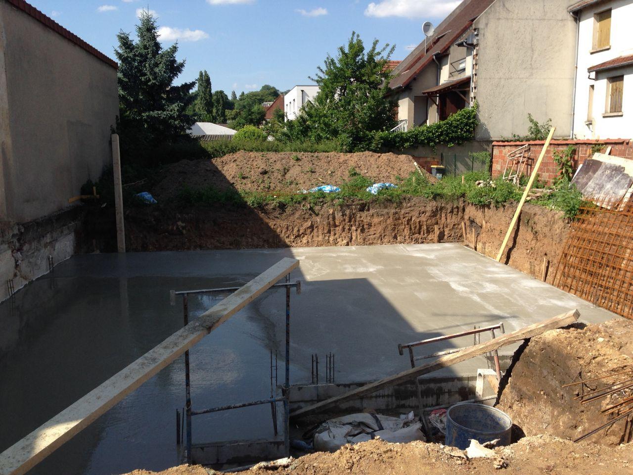 Terrassement suite et fin fondation vide sanitaire et for Sechage fondation