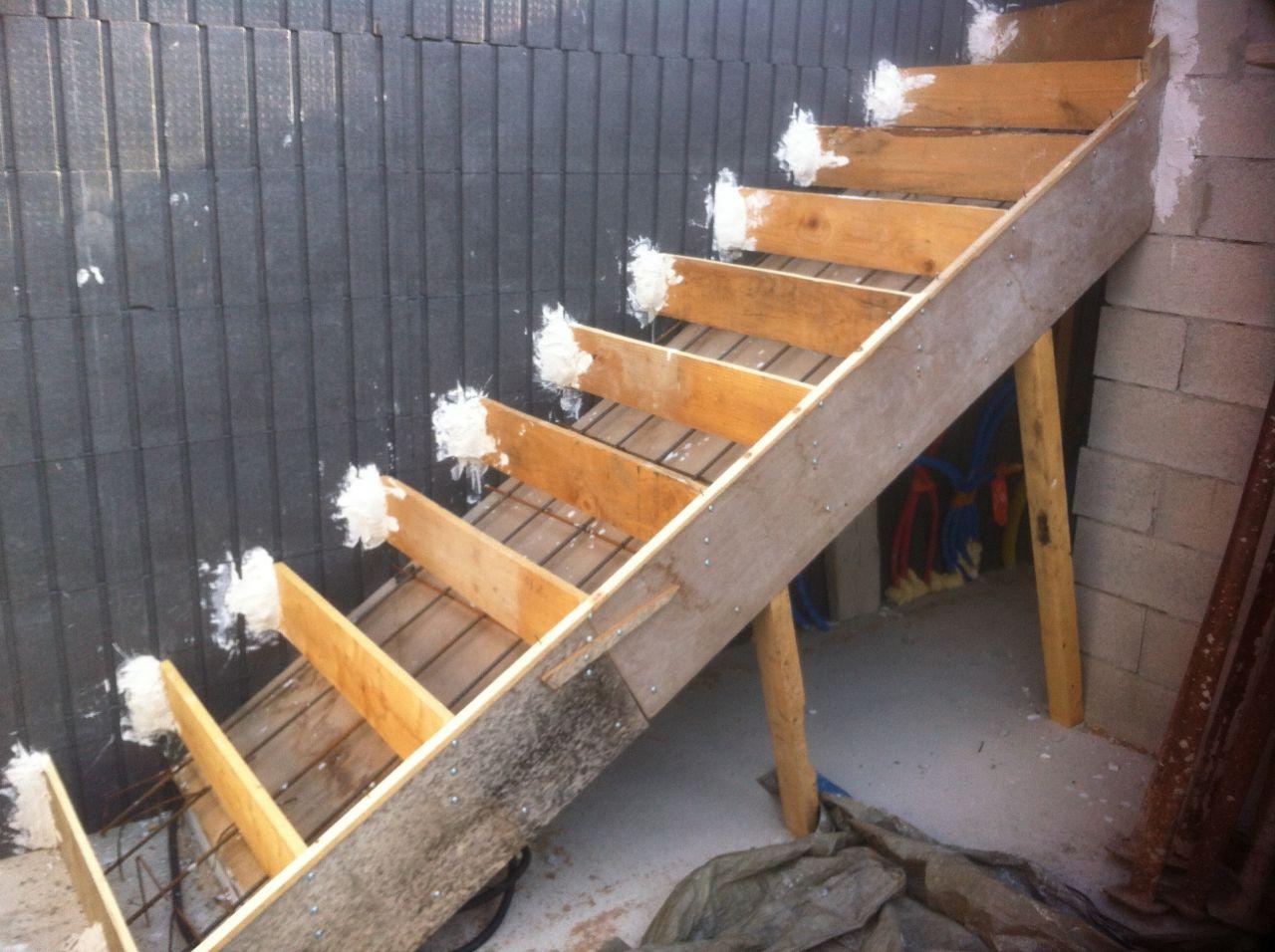 R ception du plancher isoltop dalle haute du rdc jour 1 et 2 escalier b - Coffrage escalier beton quart tournant ...