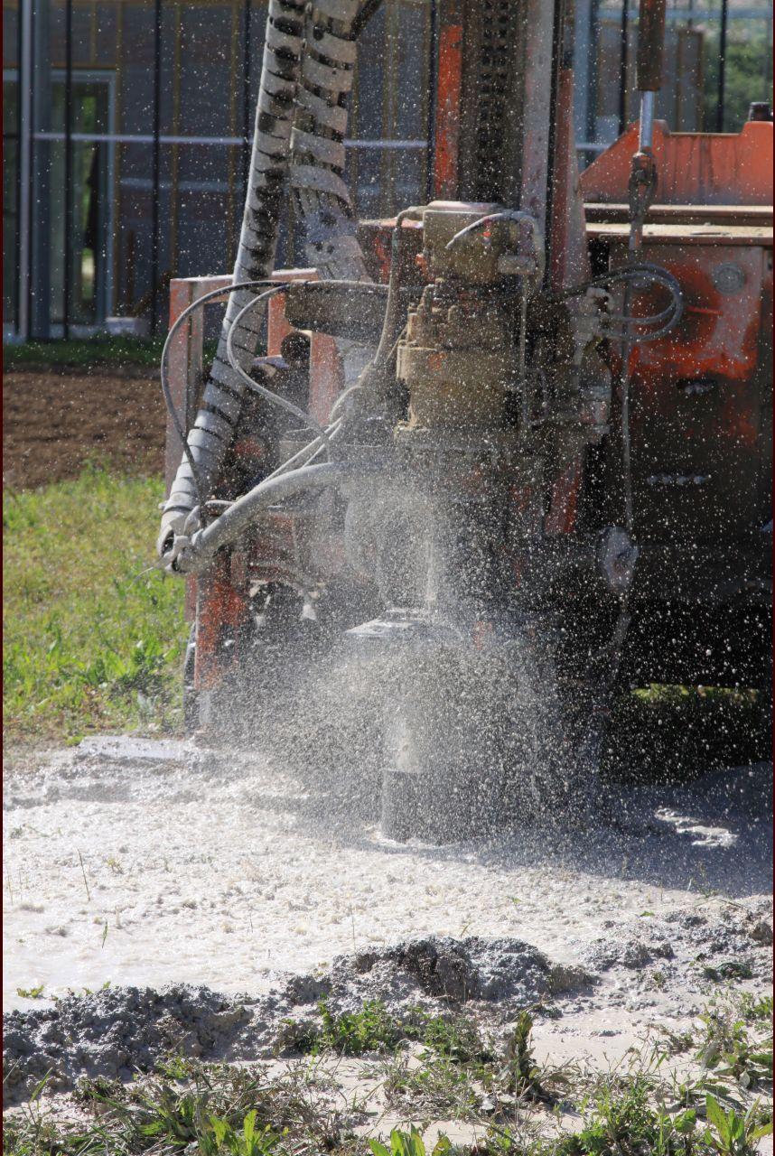 Zoom sur forage du puits le jardin en t installation for Creuser puit jardin