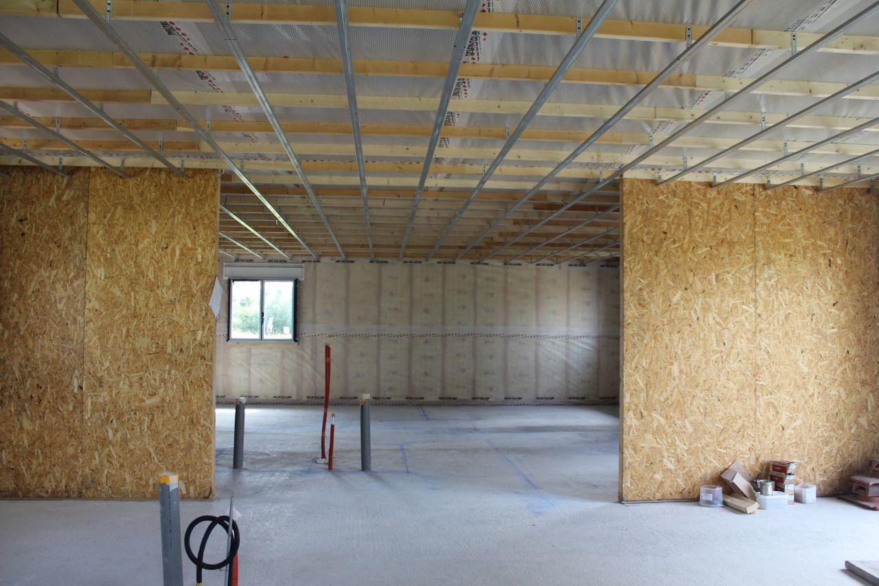Pose des rails au plafond et marquage des cloisons au sol