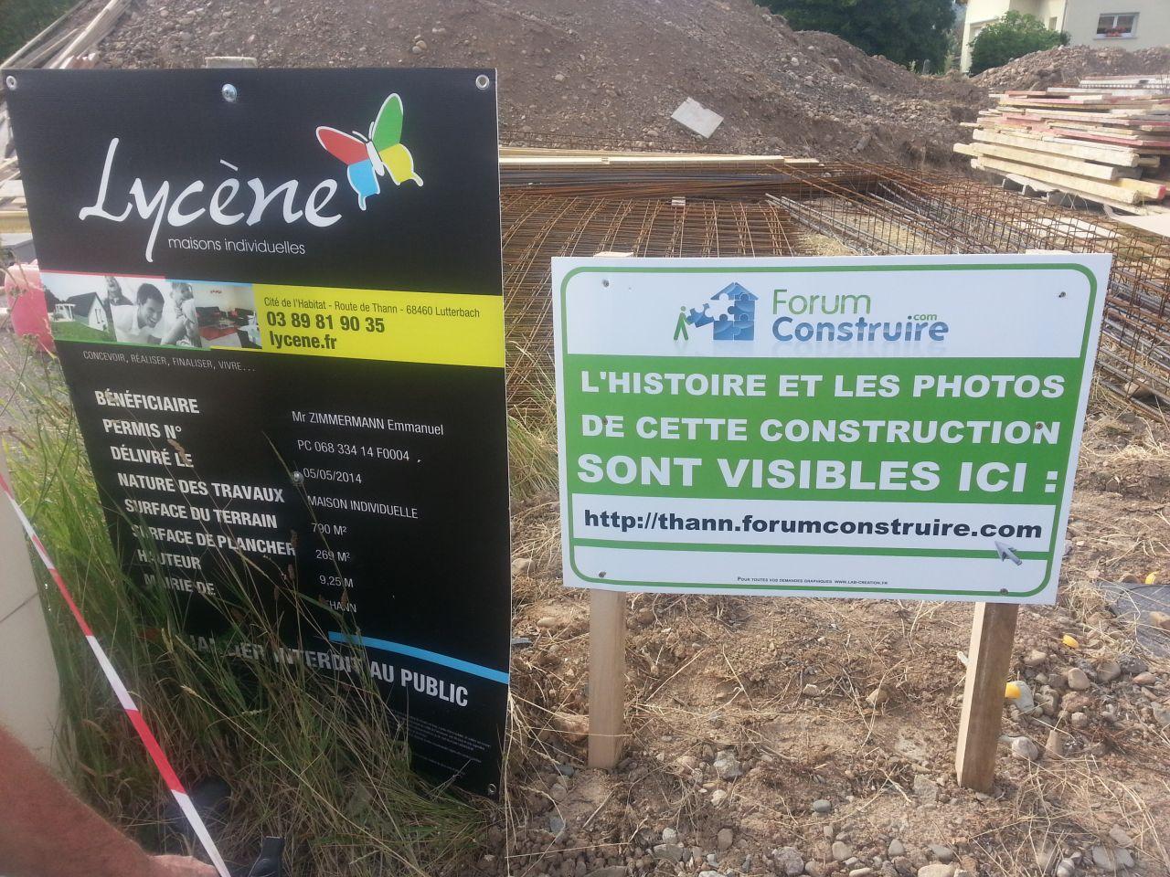 """Mise en place du panneau """"Forum construire"""""""