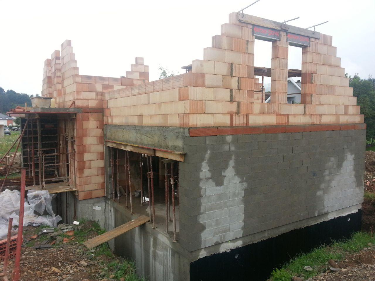 Murs briques étage