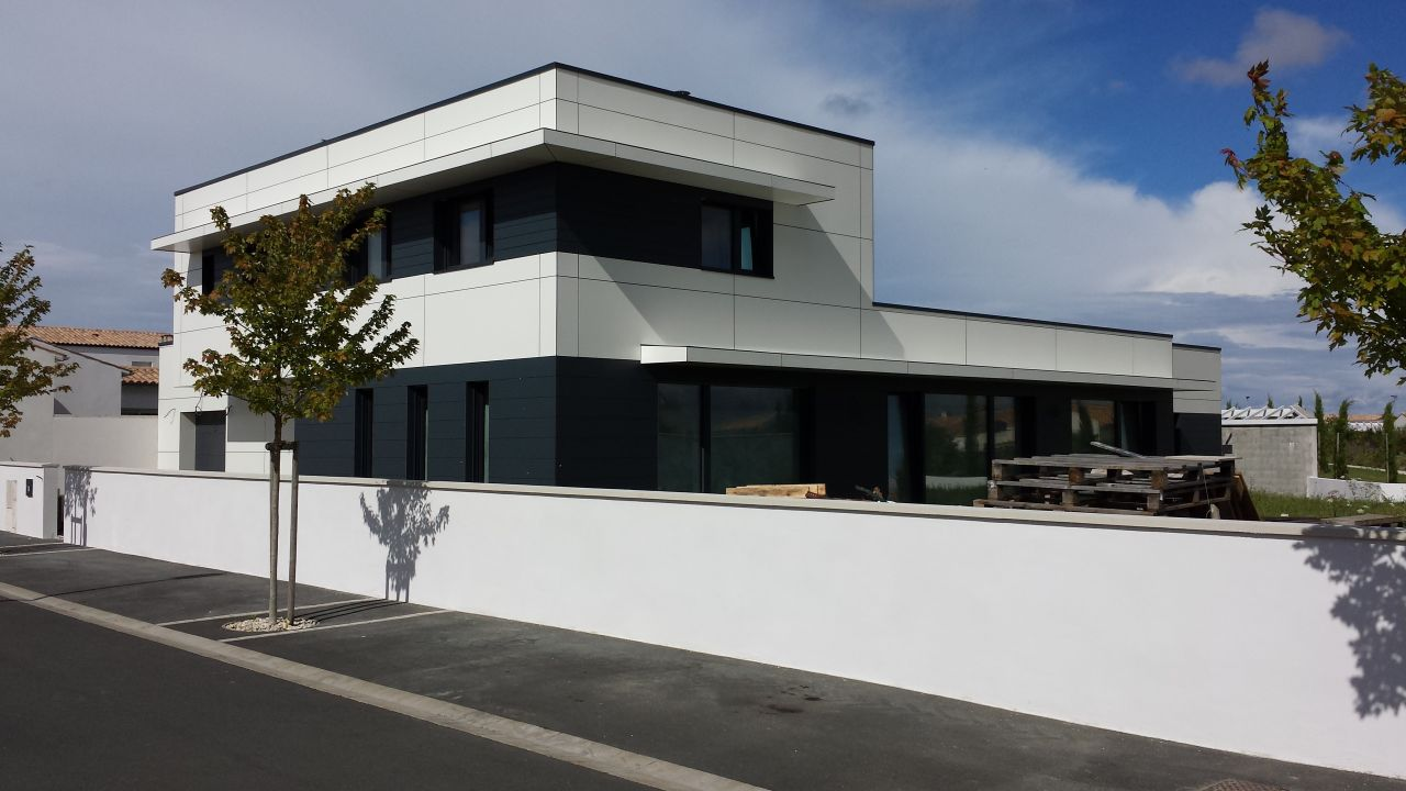 21 id es de maisons toit plat et ou cubiques les s lections de l 39 quipe. Black Bedroom Furniture Sets. Home Design Ideas