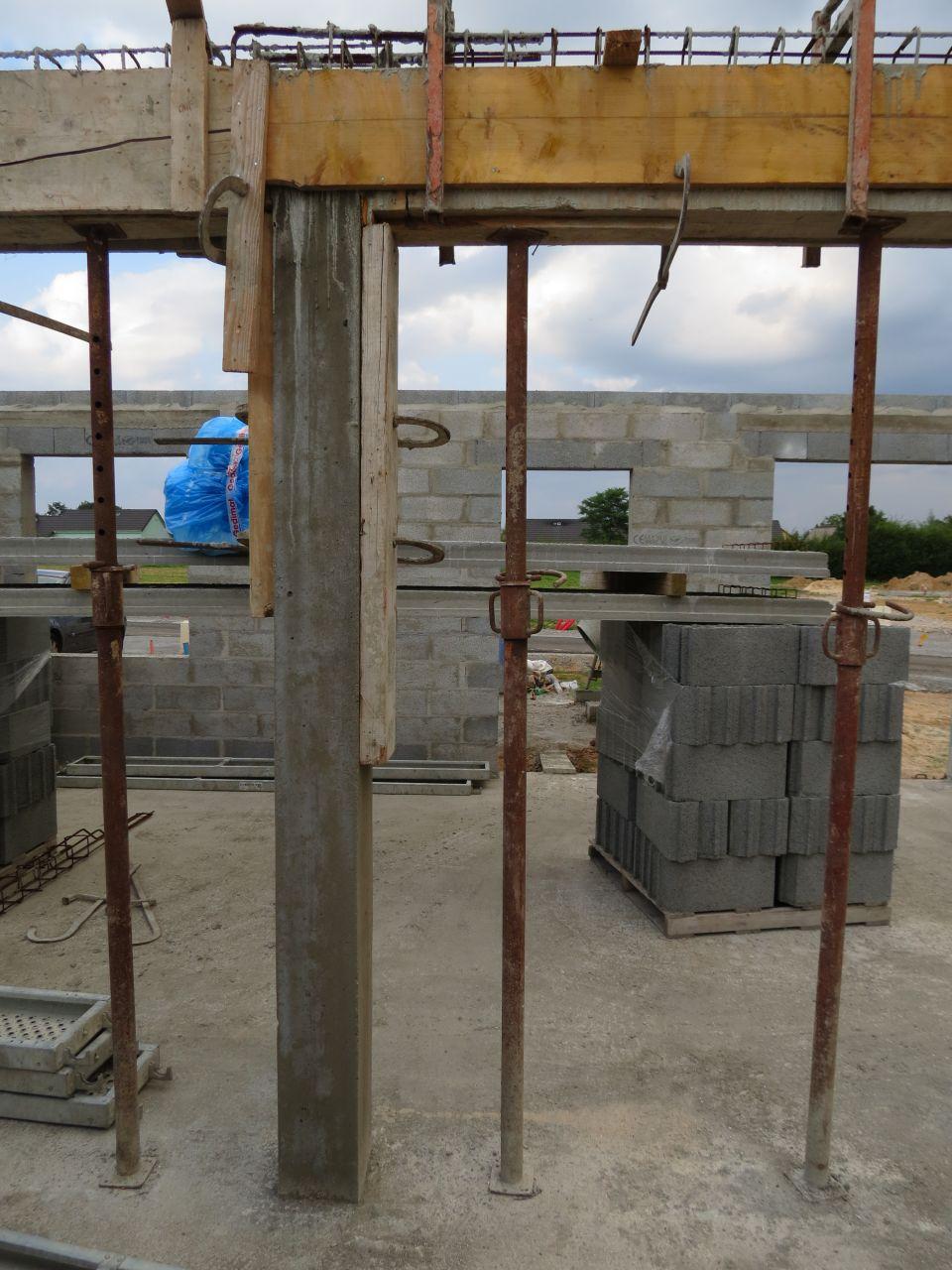 poutre horizontale et verticale pour la dalle béton