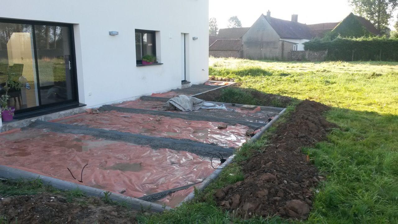 photo preparation de la terrasse terrasse pas de. Black Bedroom Furniture Sets. Home Design Ideas