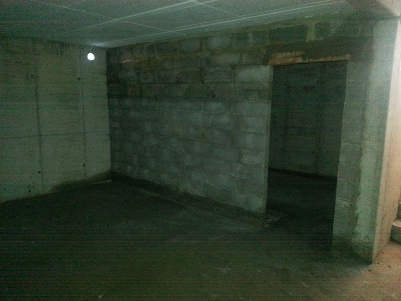 mur en agglo de la cave à vin