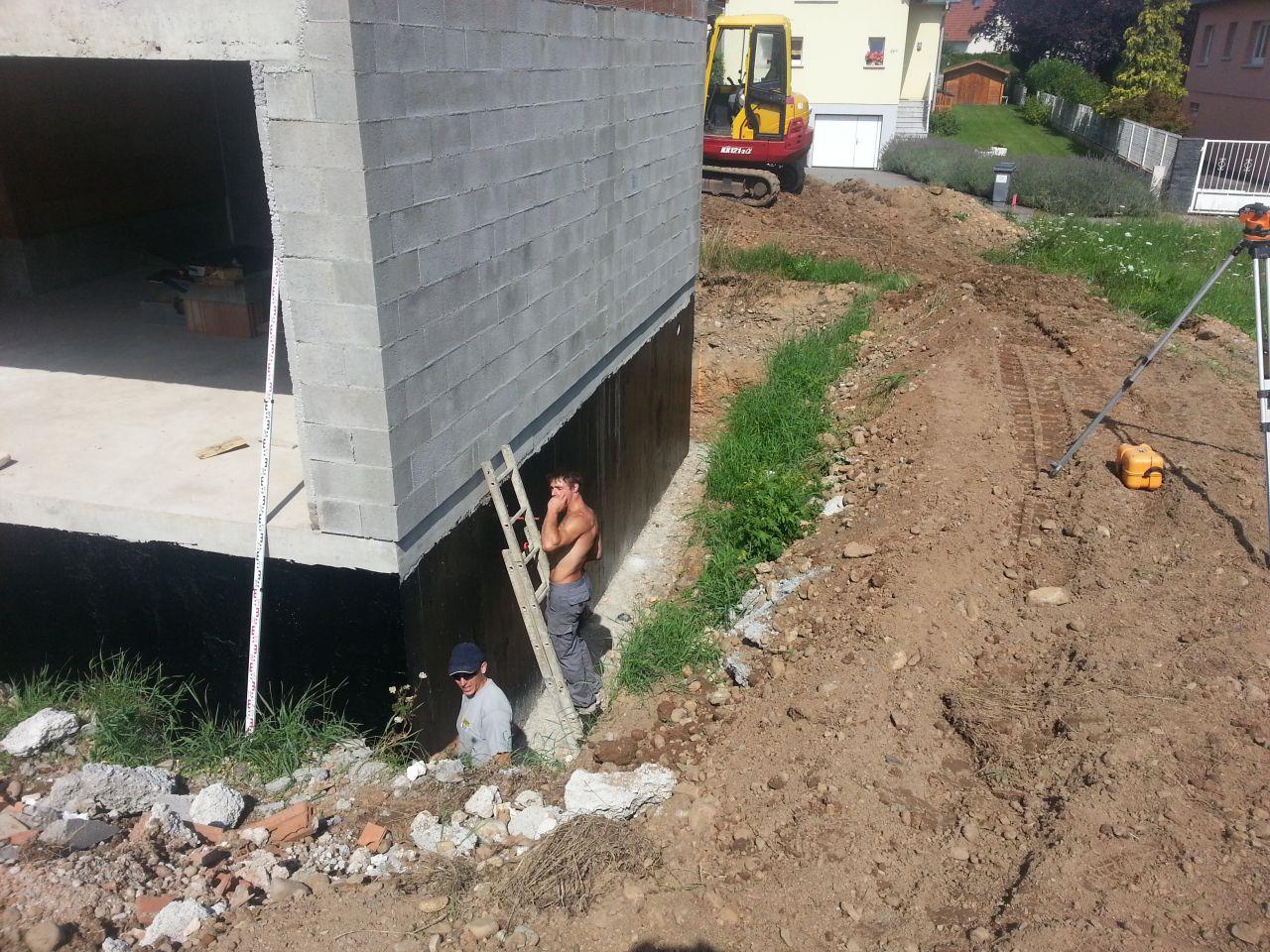 prise des niveaux pour le drainage périphérique