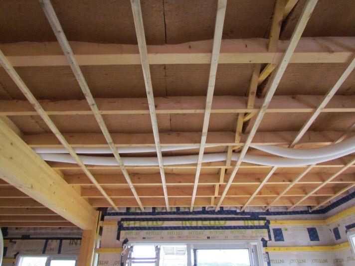 laine de bois plafond et contrelatage