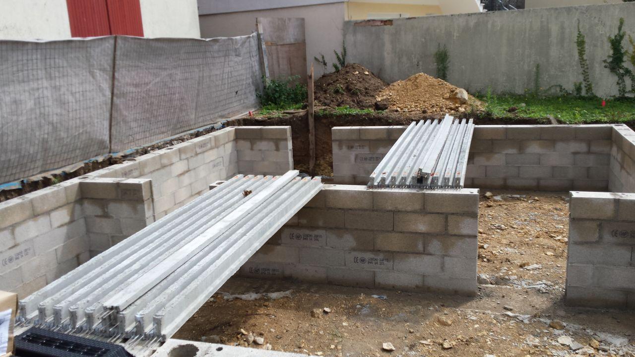 d molition du garage terrassement premi res d convenues fondations et vide sanitaire. Black Bedroom Furniture Sets. Home Design Ideas