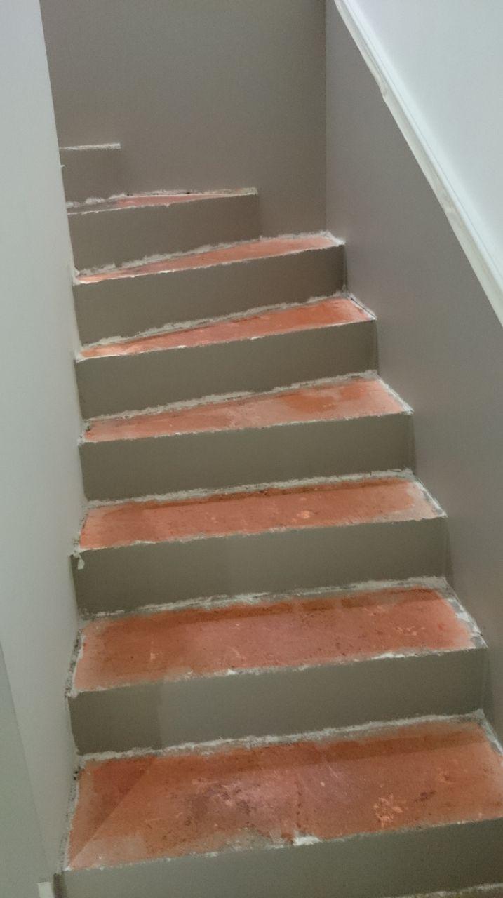 Recouvrir Un Escalier En Béton découper des marches en bois pour coller sur un escalier