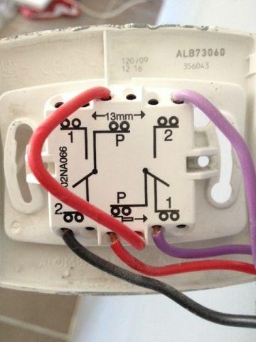 branchement double interrupteur va et vient 12 messages. Black Bedroom Furniture Sets. Home Design Ideas