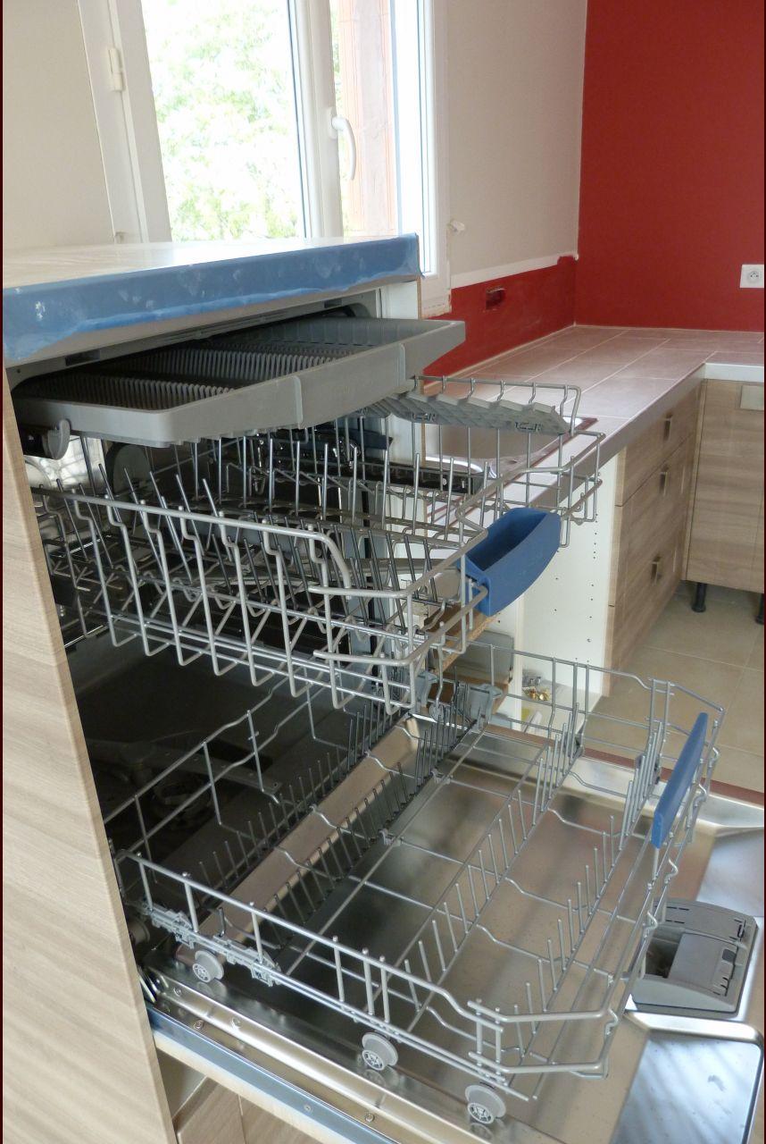 Lave-vaisselle en hauteur....et voilà!