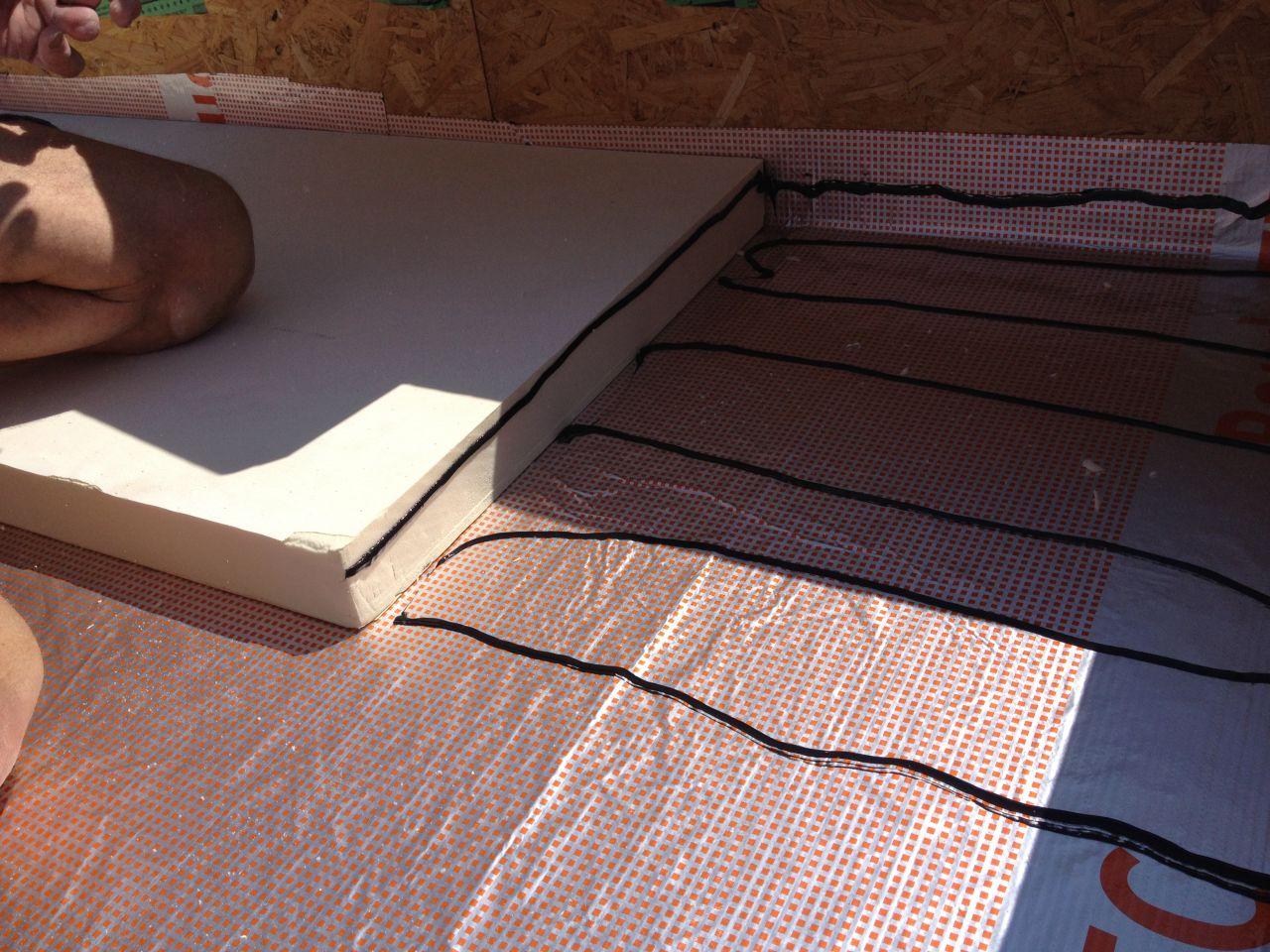 murs et charpente du garage solivage rdc fin des murs charpentes et couverture beinheim. Black Bedroom Furniture Sets. Home Design Ideas