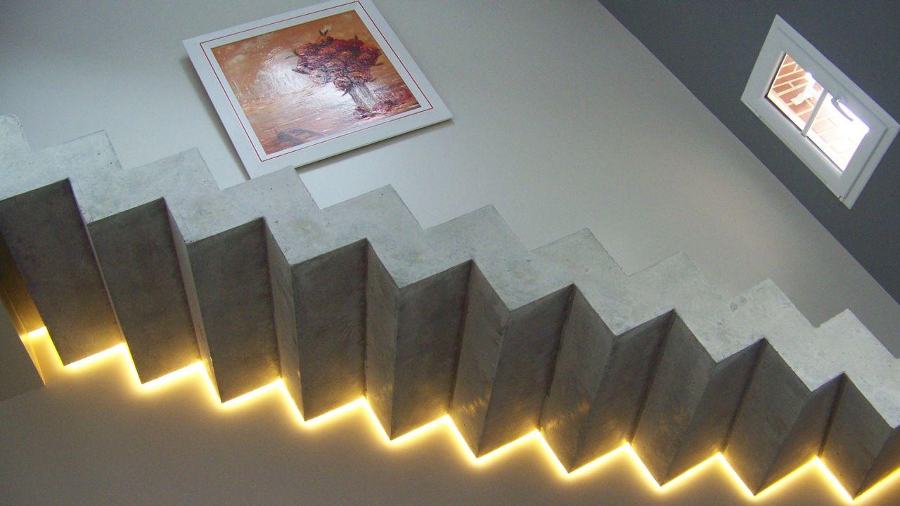 spot escalier interesting photo credit ruy teixeira with spot escalier spot de balisage w led. Black Bedroom Furniture Sets. Home Design Ideas