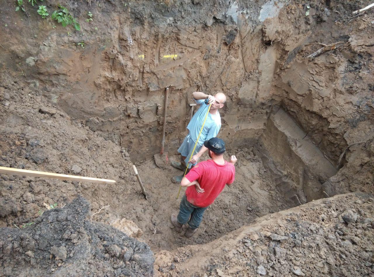 Pose de la fosse de récuperation d'eaux de pluie