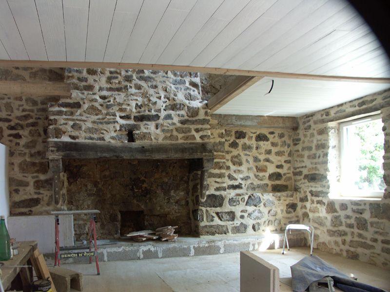 Peinture du plafond, rejointoiement, ouverture de la mezzanine.
