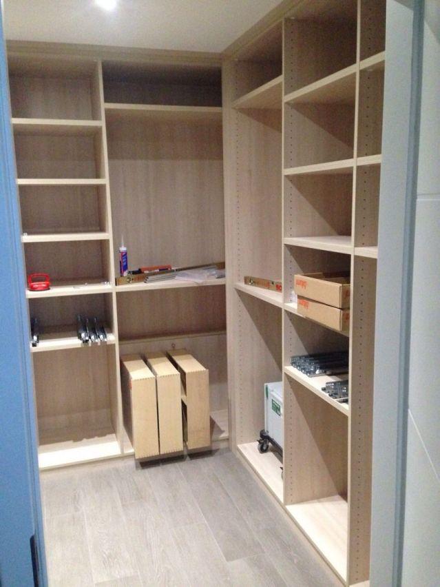 Photo dressing 7m2 mobilier beige yutz moselle 57 for Carrelage yutz