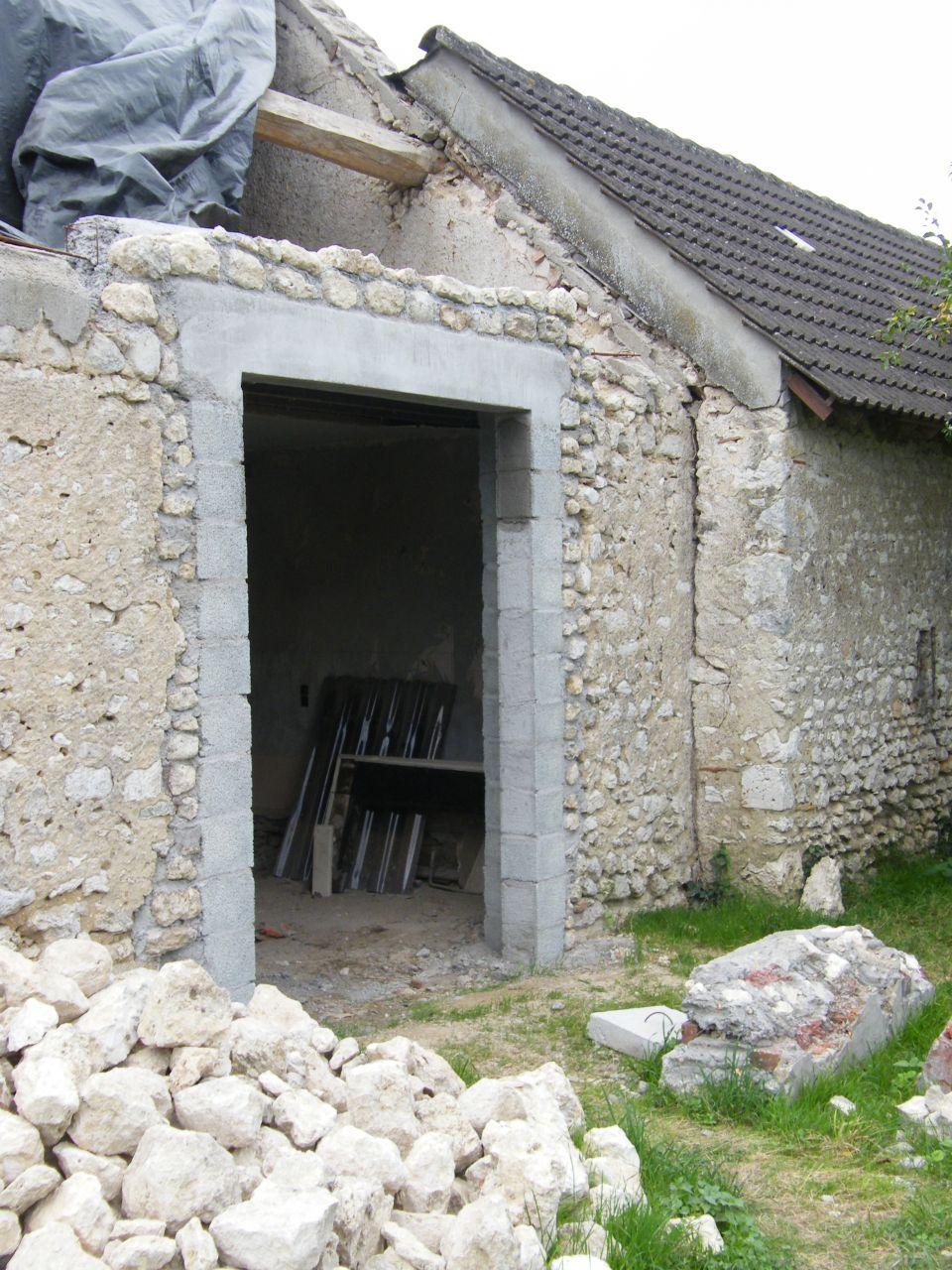Modification d'une fenêtre en baie vitrée: état fini avant revêtement