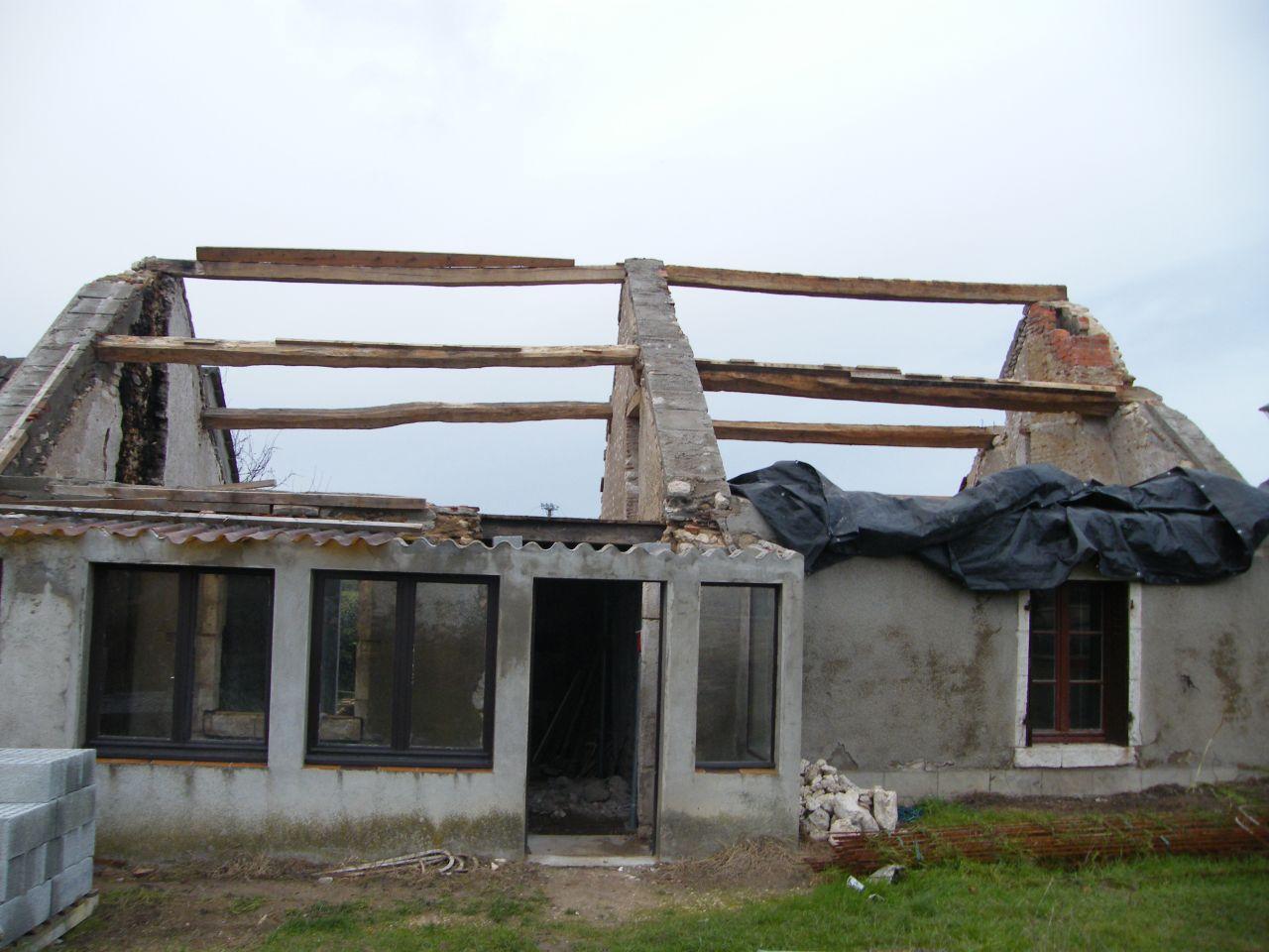 Sur l vation et r novation d 39 une maison ancienne dry loiret for Agrandissement maison loiret