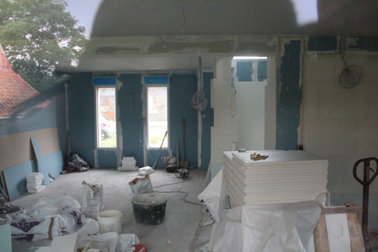 Placo au rez-de-chaussez et délimitation du garage et du hall d'entrée