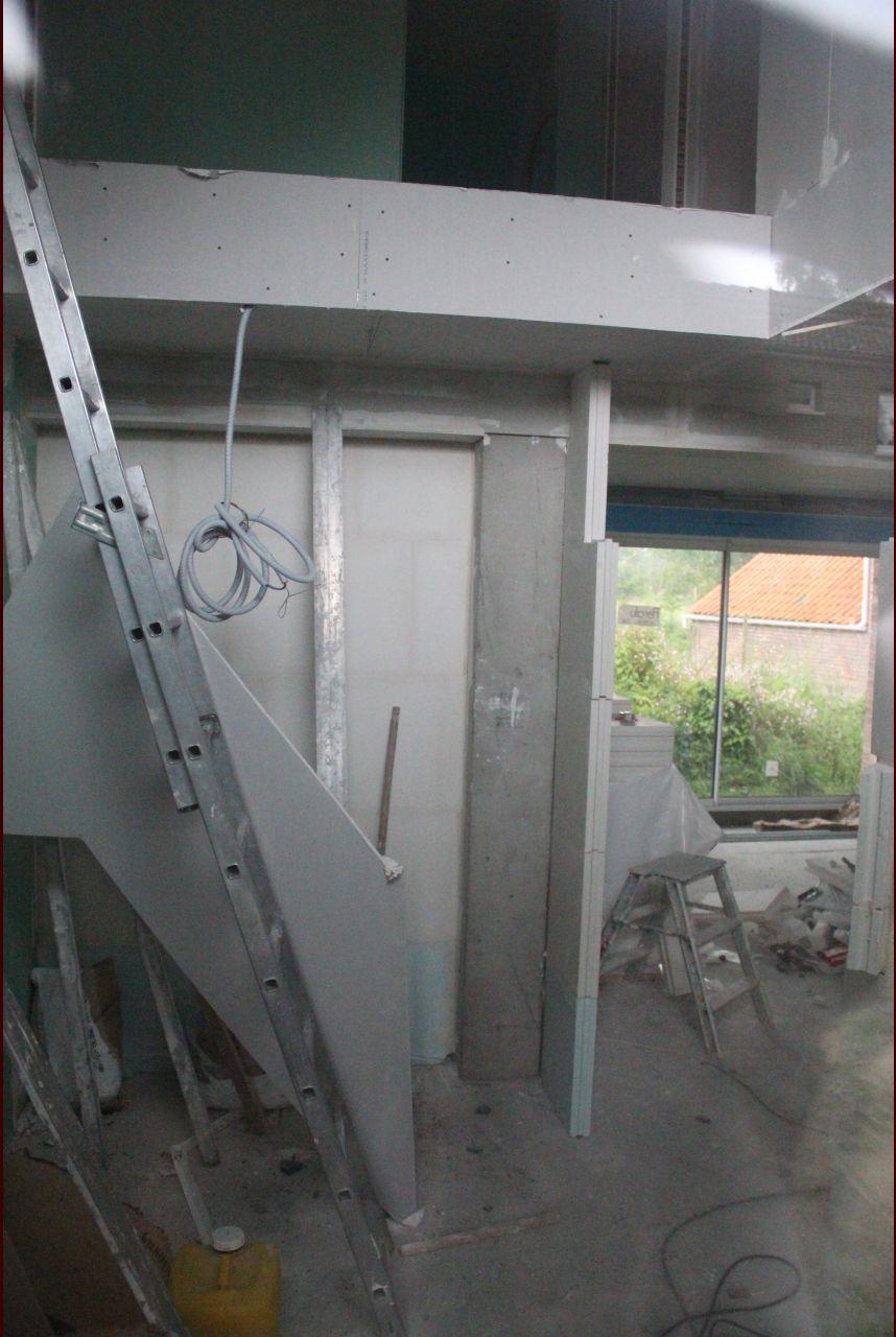 Placo au rez-de-chaussez et délimitation du hall d'entrée