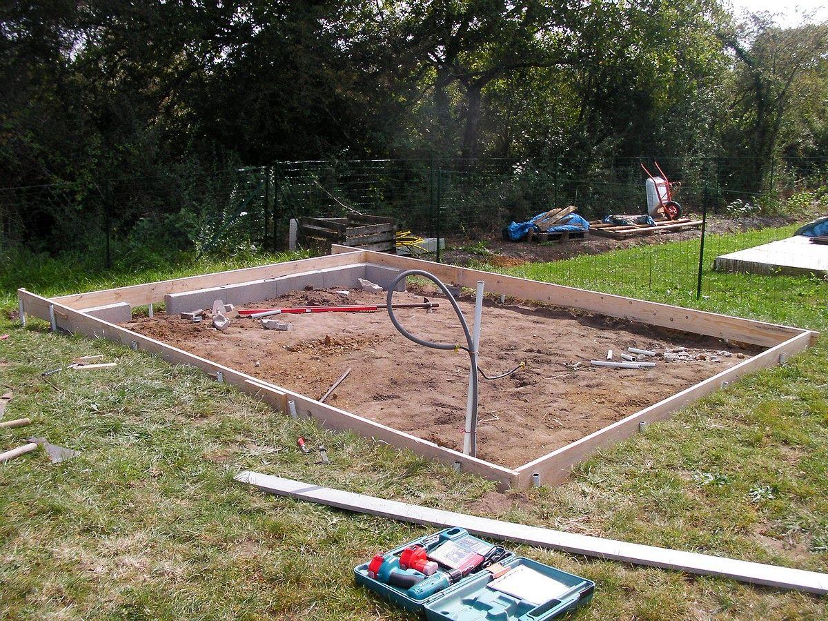 Dalle b ton pour abri de jardin montage de l 39 abri de jardin muret en - Dalle beton pour abri de jardin en bois ...