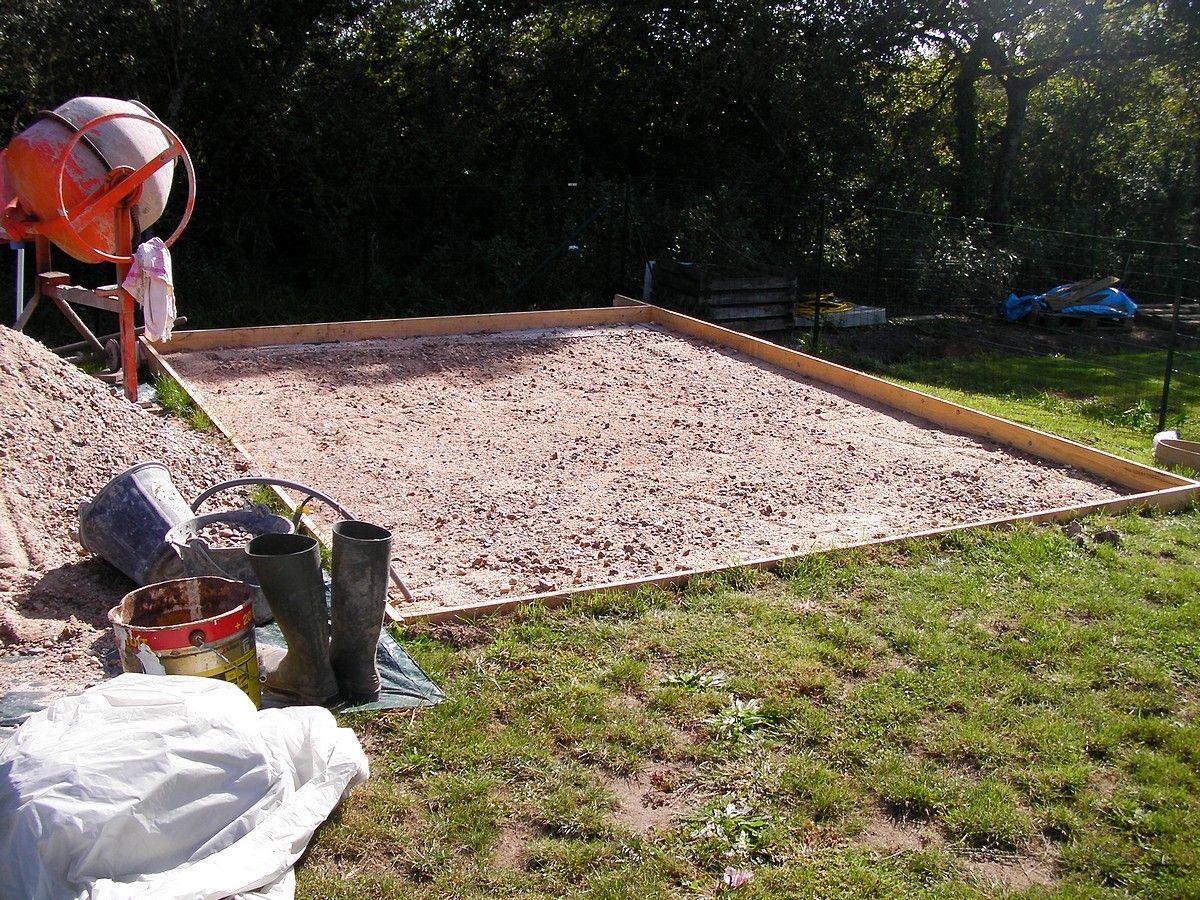 Dalle b ton pour abri de jardin montage de l 39 abri de for Dalles de jardin en beton