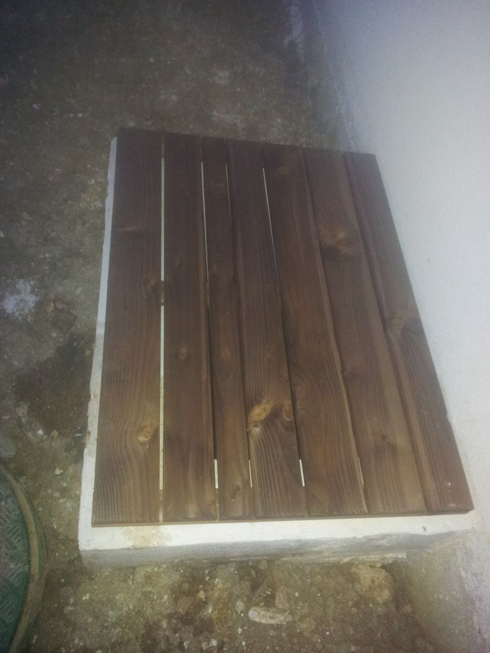 terrasse douche toilettes vide sanitaire plaisir yvelines. Black Bedroom Furniture Sets. Home Design Ideas