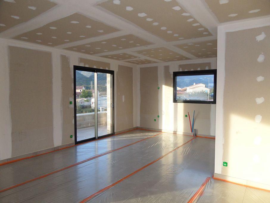 photo pi ce vivre peinture alpes de haute provence 4. Black Bedroom Furniture Sets. Home Design Ideas