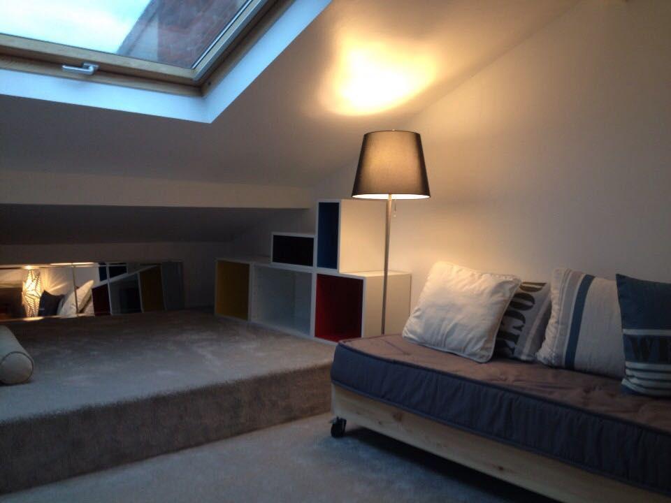 photo d tournement de meubles de cuisine pour biblioth que color e ikea d coration combles. Black Bedroom Furniture Sets. Home Design Ideas