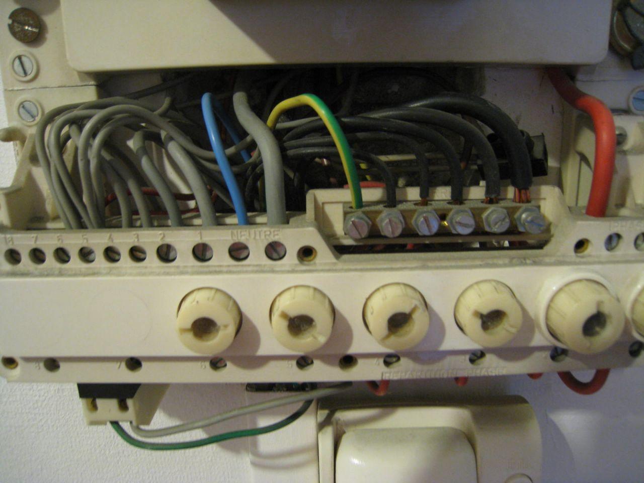 interrupteur diff rentiel type a ou et ac 17 messages page 2. Black Bedroom Furniture Sets. Home Design Ideas
