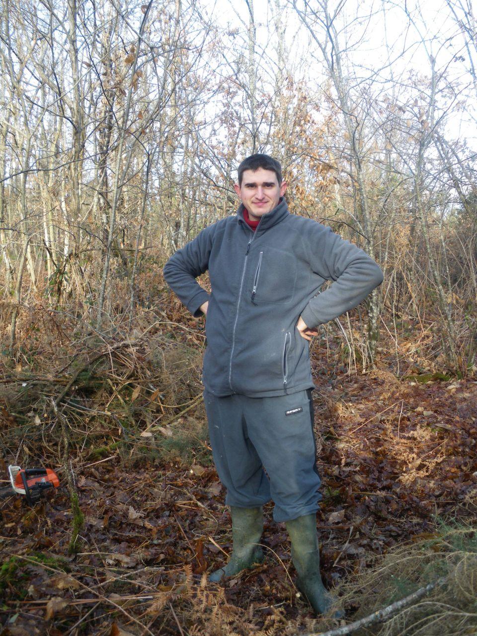 l'etat du terrain avant le commencement  <br /> vous l'aurez deviner c'été un bois