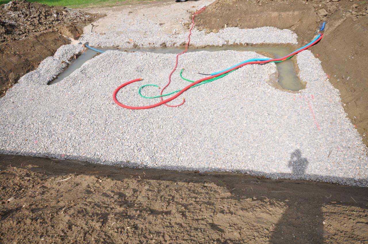 le terrain bien étanche, c'est la partie hors gel des fondations, c'est dur quand même de dessiner un smiley avec une pelleteuse