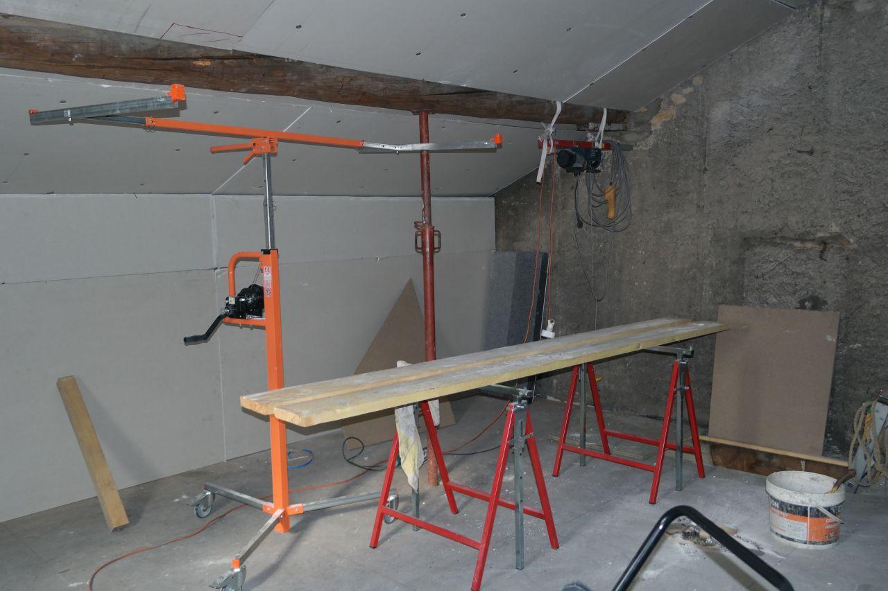 Cage d 39 escalier ancienne construction grenier bureau for Ventilation de salle de bain sous toiture