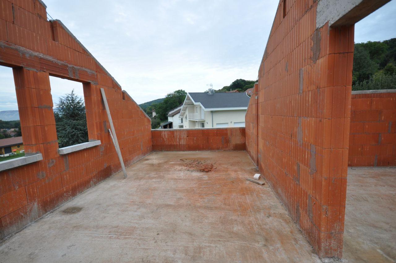 la vue des chambres, la c'est la salle de bain et on verra rien parce qu'il y aura le toit, ...