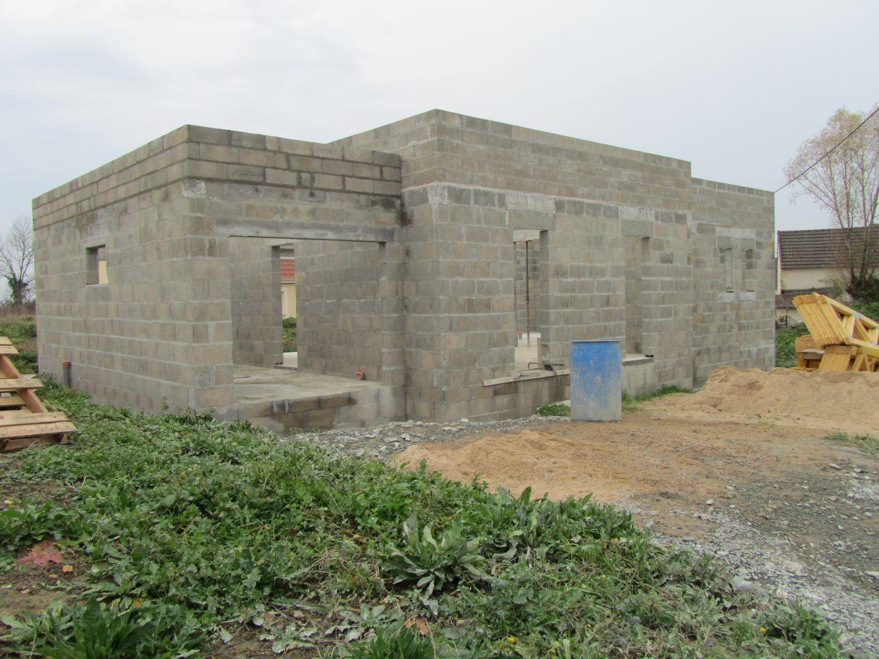 Fin d'élévation des murs