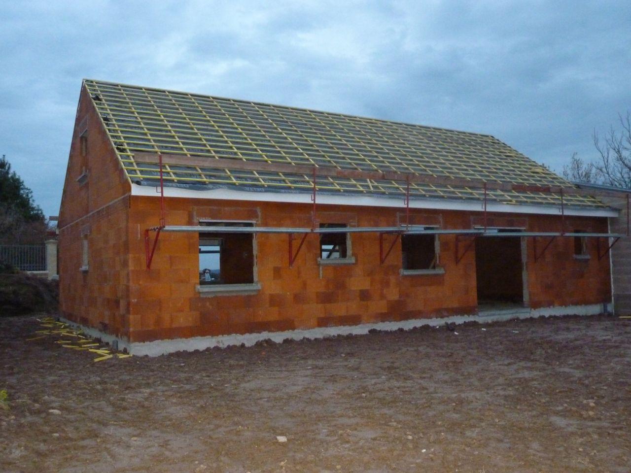 charpente charpente jour 2 pose de l 39 cran sous toiture ardennes. Black Bedroom Furniture Sets. Home Design Ideas
