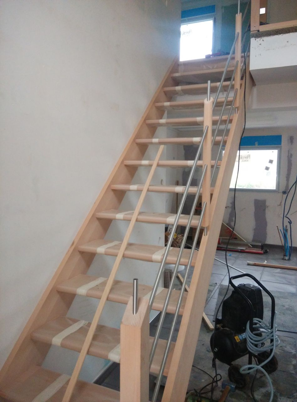 Pose de l'escalier en cours