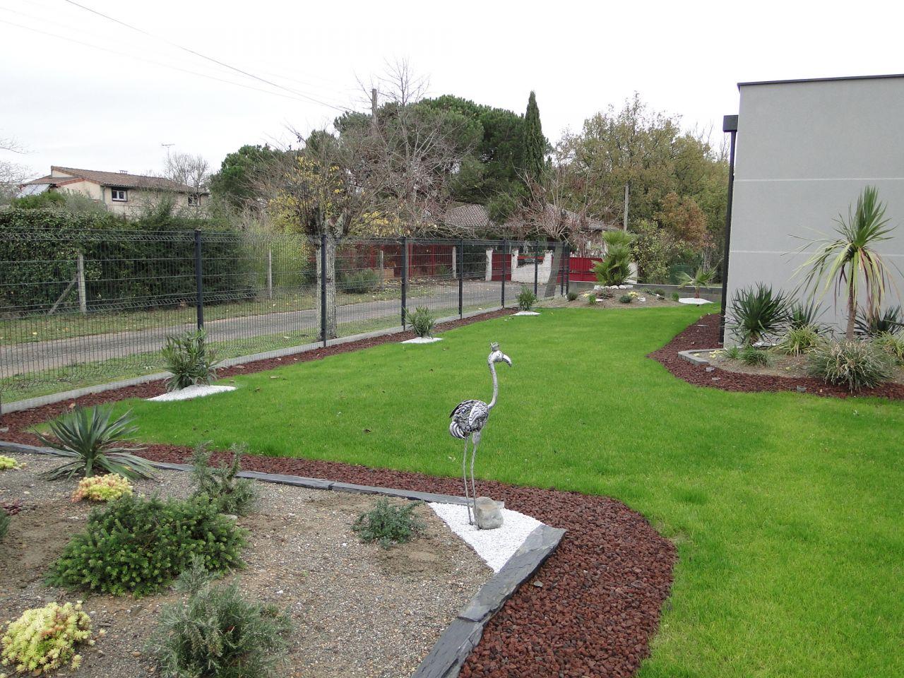 Suite jardin leguevin haute garonne for Prix entretien jardin