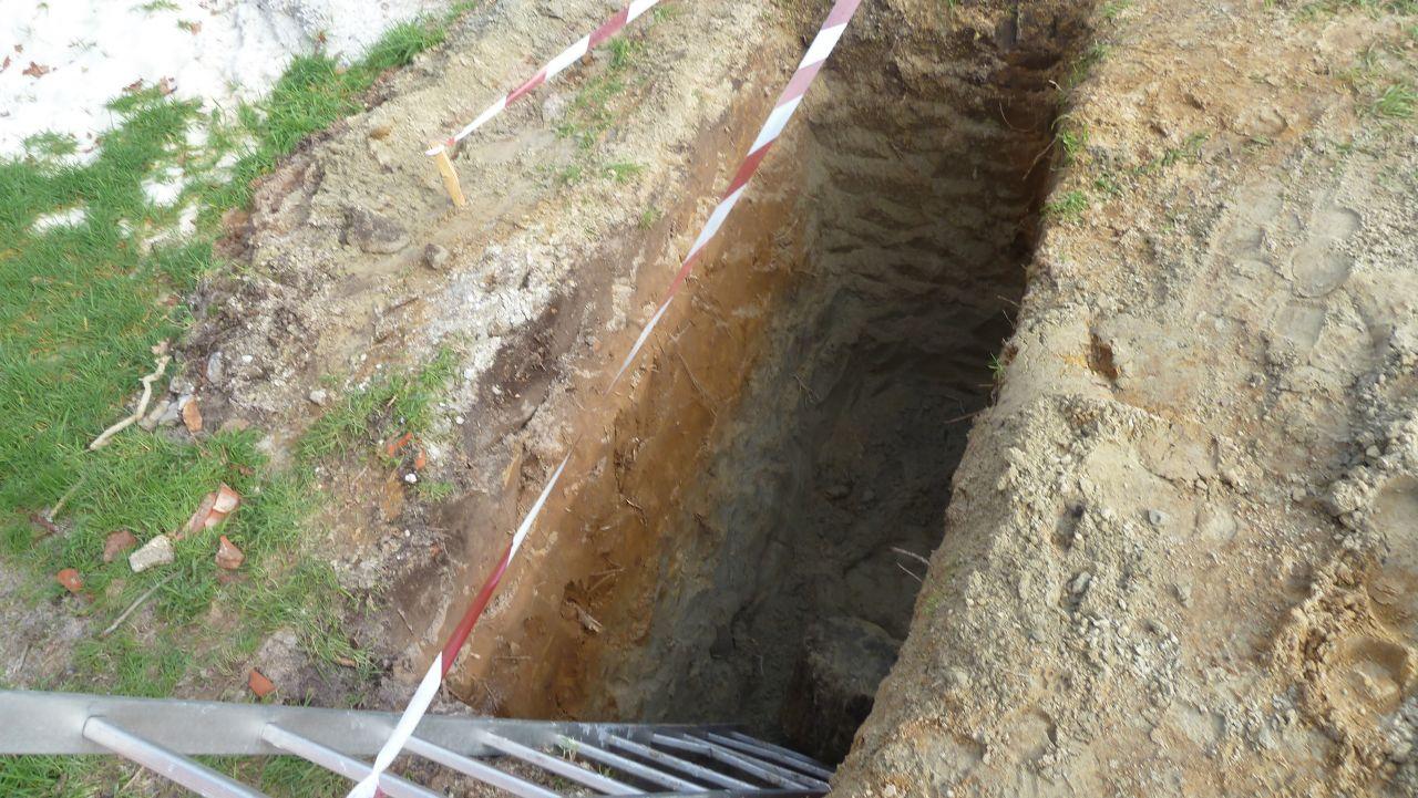 trou pour accueillir la fosse septique