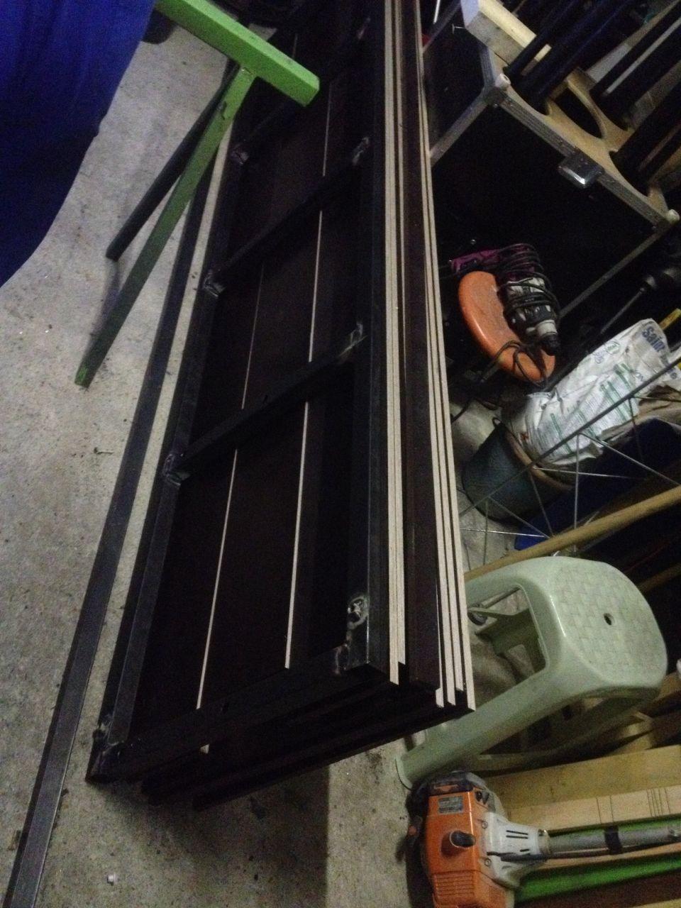 fabrication de banche pour couler mes linteaux dessous hourdi
