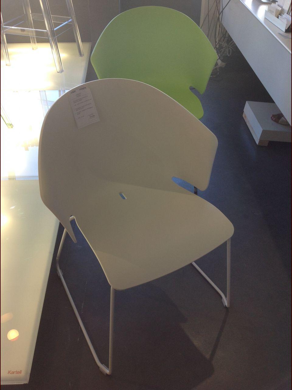 Nos chaises PEDRALLI commandées il y a 8 semaines sont arrivées.