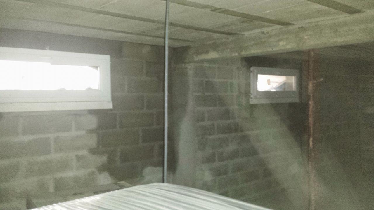 Hors eau hors air d but des travaux int rieur for Probleme d humidite mur interieur
